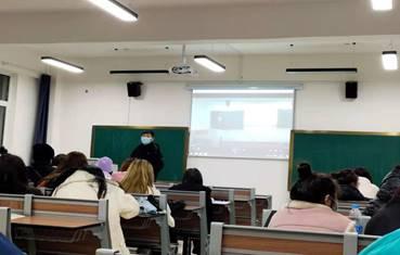 辅导员佟思恩组织学生学风建设月活动